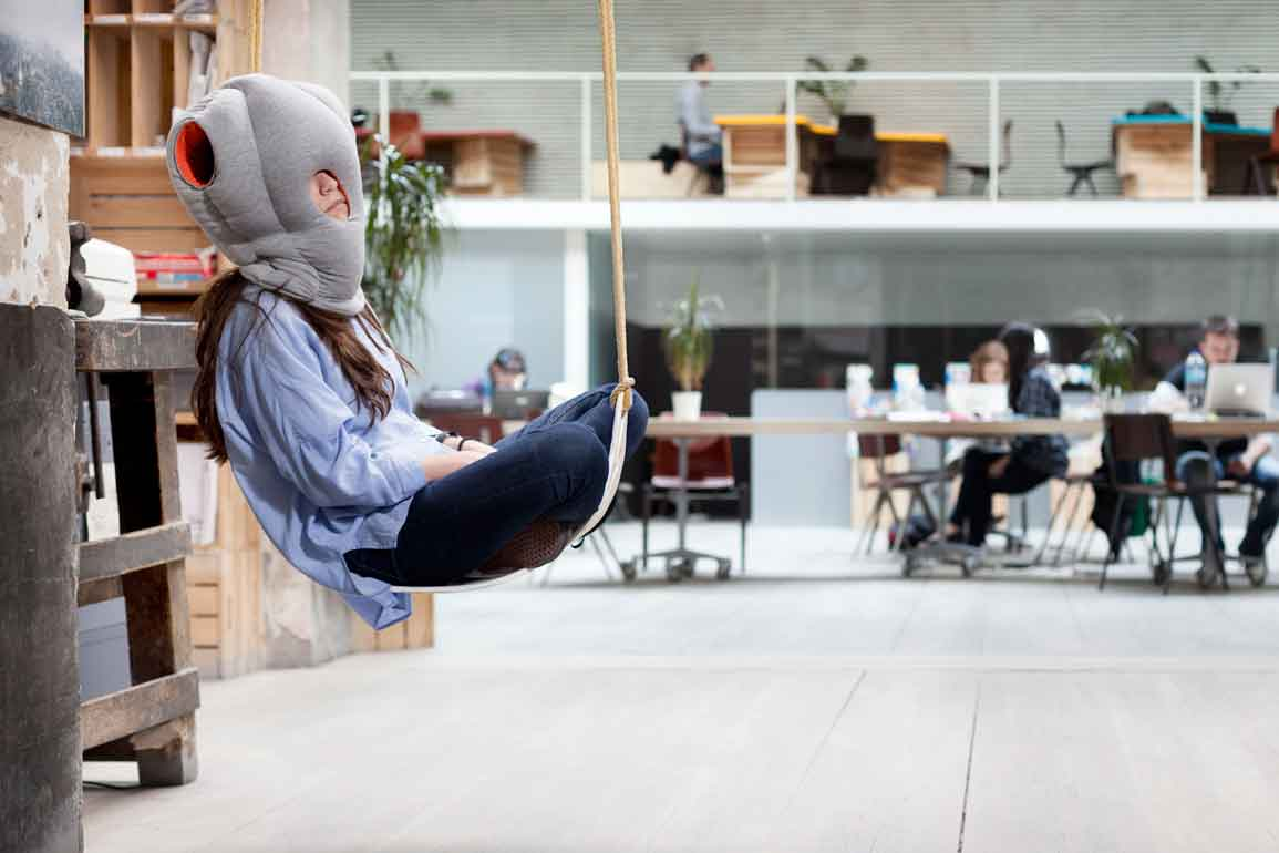 01_OSTRICH-PILLOW_STUDIOBANANATHINGS_01