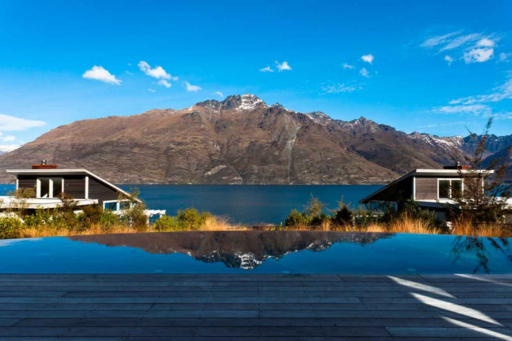 10_Matakaurilodge_Pool-with-Cecil-Peak-view