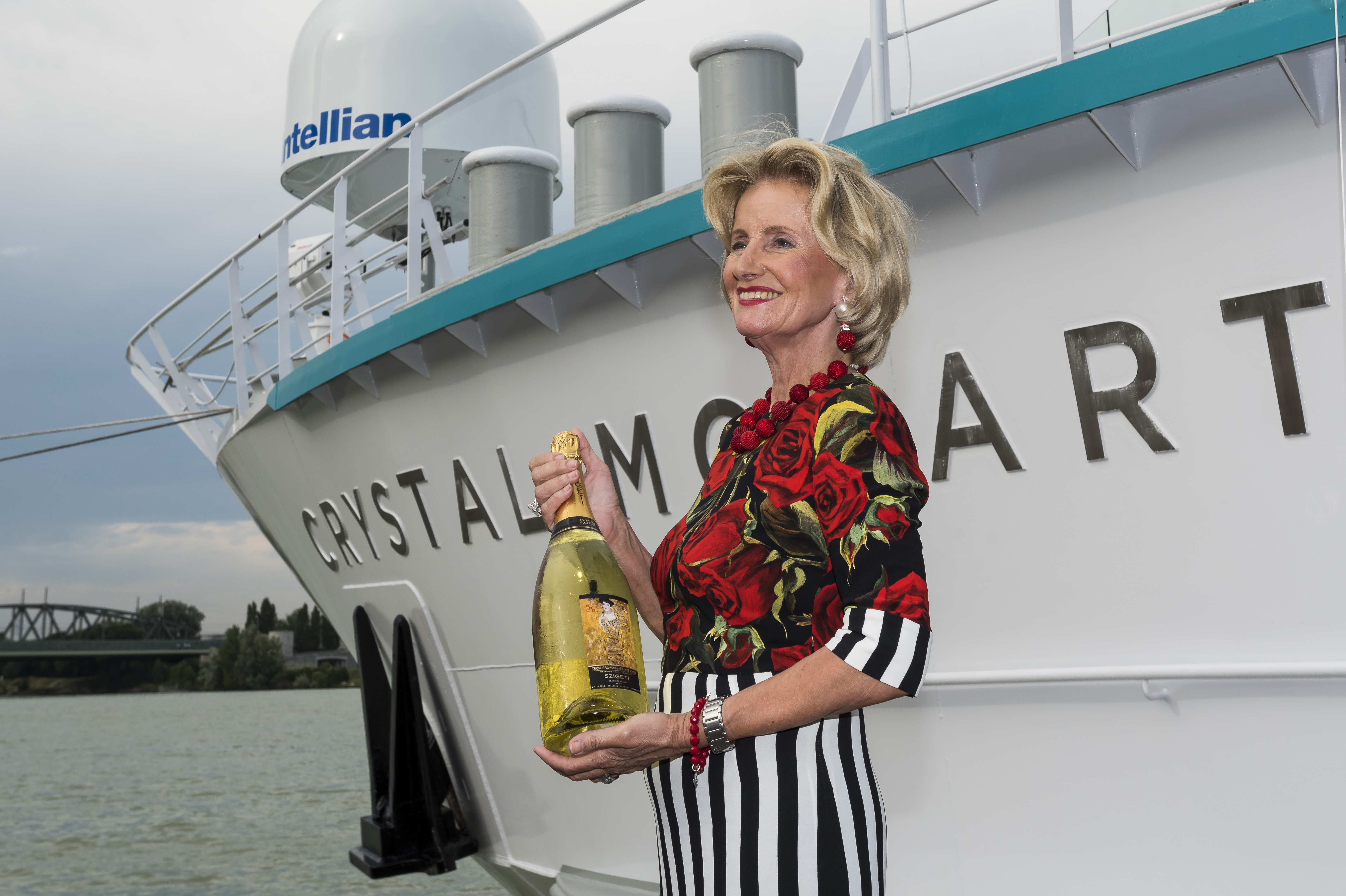 Crystal Mozart Christened In Vienna Officially Launching Crystal River Cruises Hn Multimediagroup